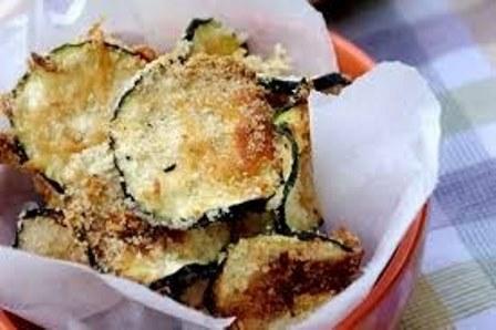 Неодоливо вкусни   чипс тиквички со пармезан