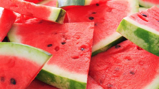 Без да се извалкате  Најдобриот начин да исечете лубеница